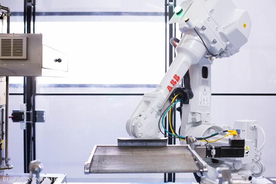 Cận cảnh robot làm pizza của startup sắp được rót vốn 750 triệu USD - Ảnh 10.