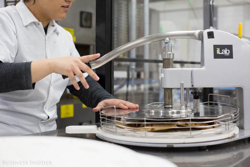 Cận cảnh robot làm pizza của startup sắp được rót vốn 750 triệu USD - Ảnh 12.