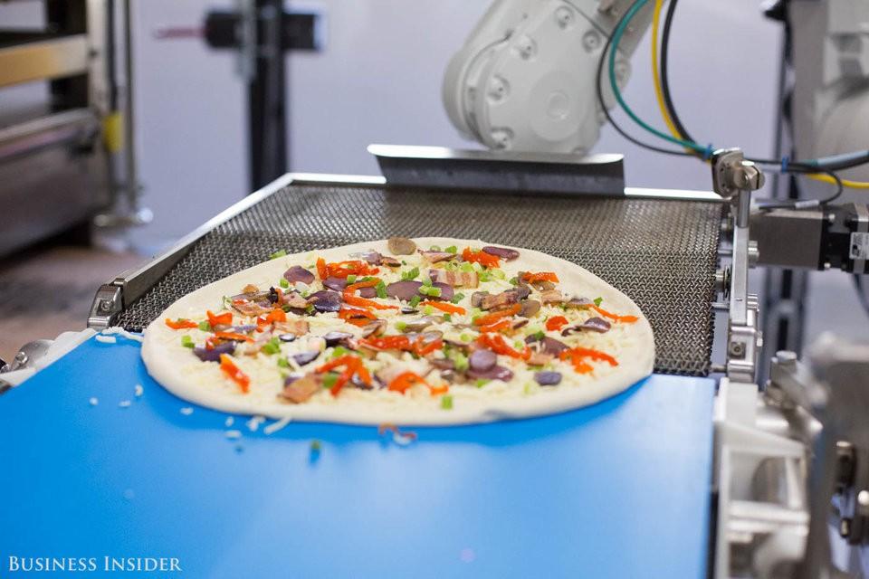 Cận cảnh robot làm pizza của startup sắp được rót vốn 750 triệu USD - Ảnh 18.